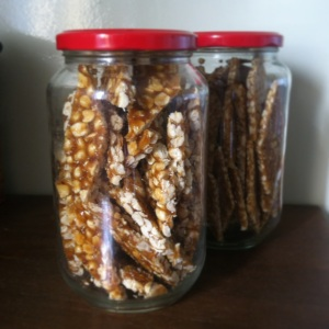 Véronique's peanut brittle